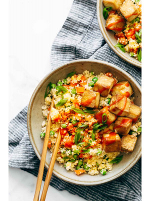CAULIFLOWER RICE WITH CRISPY TOFU (NO CARB MEAL)